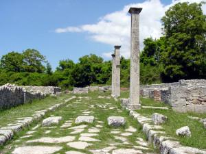 Alba Fucens: Via dei pilastri
