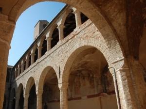 S.Maria di Propezzano:chiostro