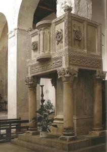 Basilica Valvense: Ambone