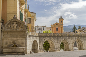Sulmona:acquedotto medievale