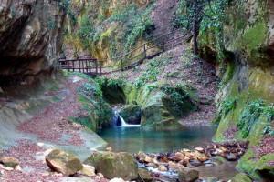 Il fiume Alento nei pressi delle tombe rupestri