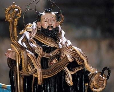Cocullo La festa di San Domenico e il Rito dei Serpari
